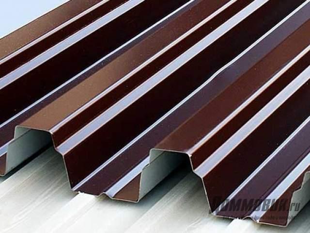 Как покрыть крышу профлистом правильно
