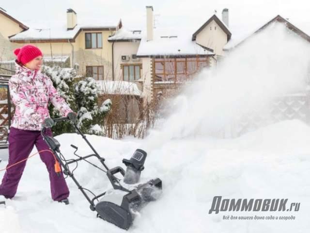 Какой снегоуборщик выбрать для дома