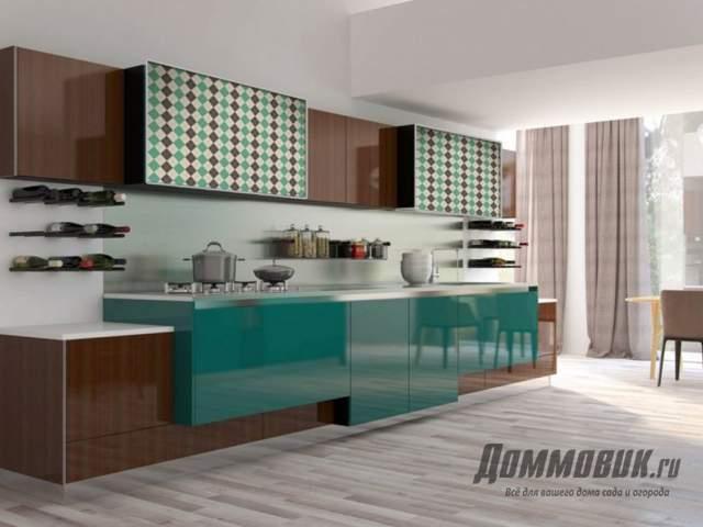 Дизайн кухни в загородном доме линейная
