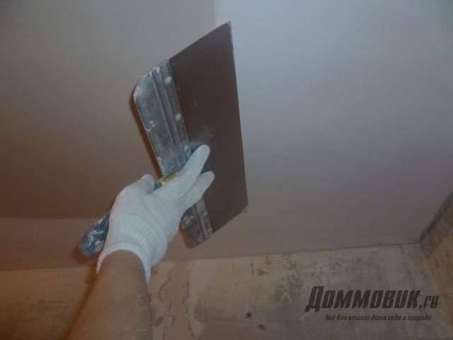 Потолок на кухне какой лучше