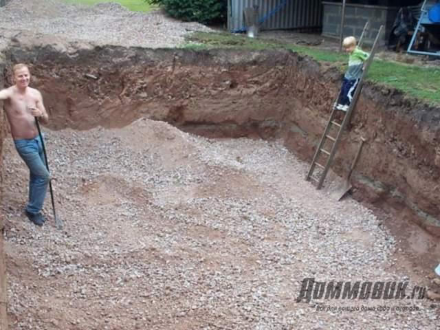 Как выкопать бассейн на даче собственноручно