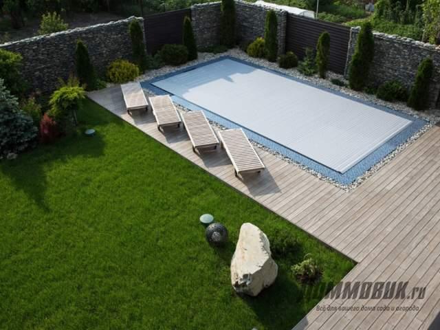 Зона отдыха с бассейном на даче вариант номер один