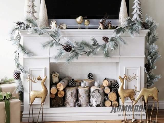 Имитация новогоднего камина в доме