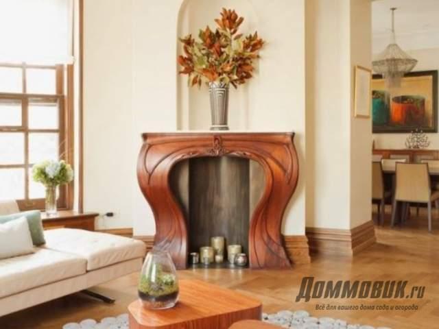 Имитация деревянного камина в интерьере