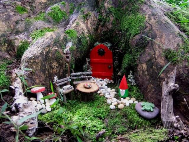 мини-сад под деревом