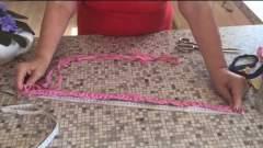 Embedded thumbnail for Как связать коврик из тряпок